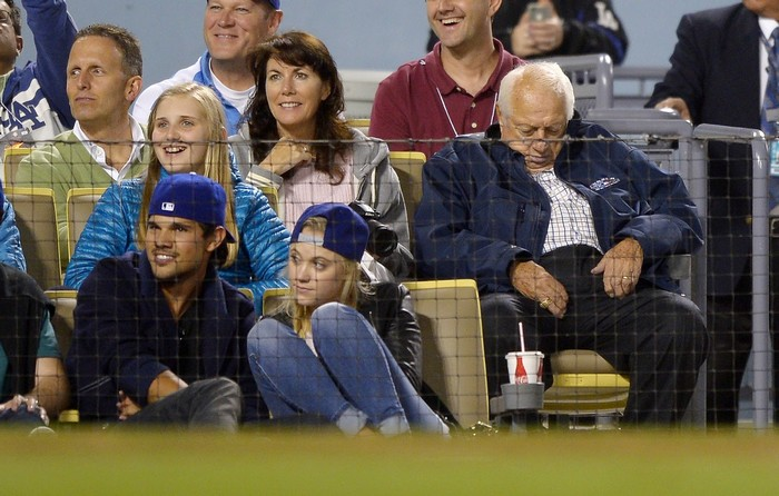 NEW COUPLE ALERT: Taylor Lautner and Maika Monroe