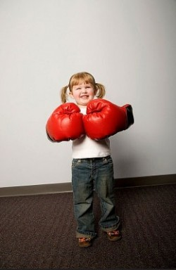 Дитяча агресія: що це таке і як з нею впоратися?