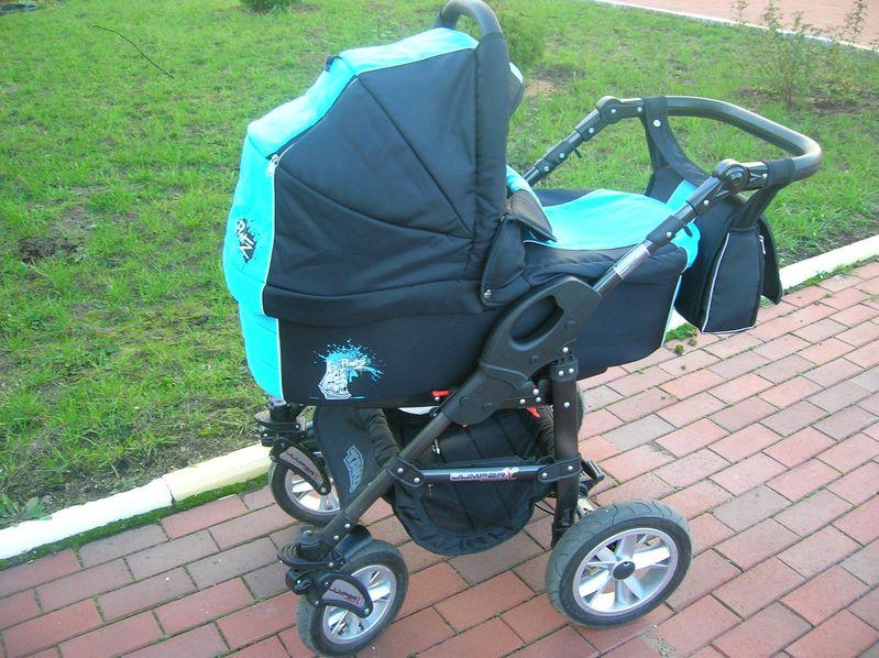 Коляски для новорожденных на улице