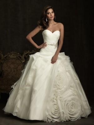 Свадебные и вечерние платья – покупать или «арендовать»?