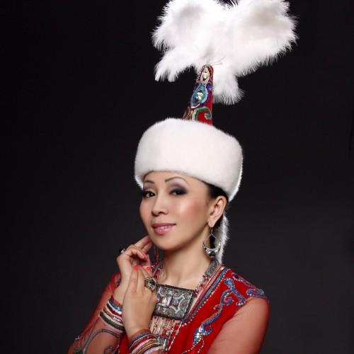 Қазақша Айтыс: Айнұр Тұрсынбаева пен Айтақын Бұлғақов (2012)